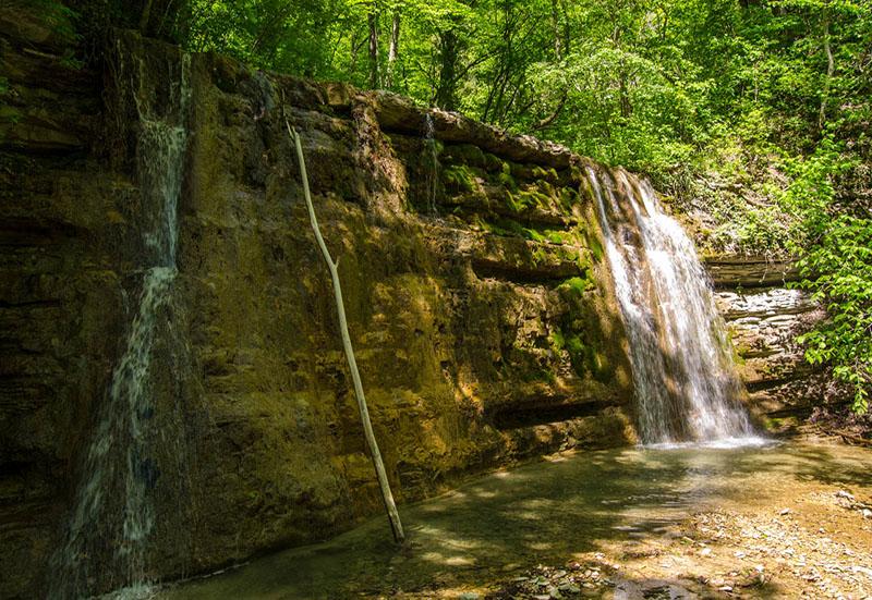 Дольмены и водопады села Пшада