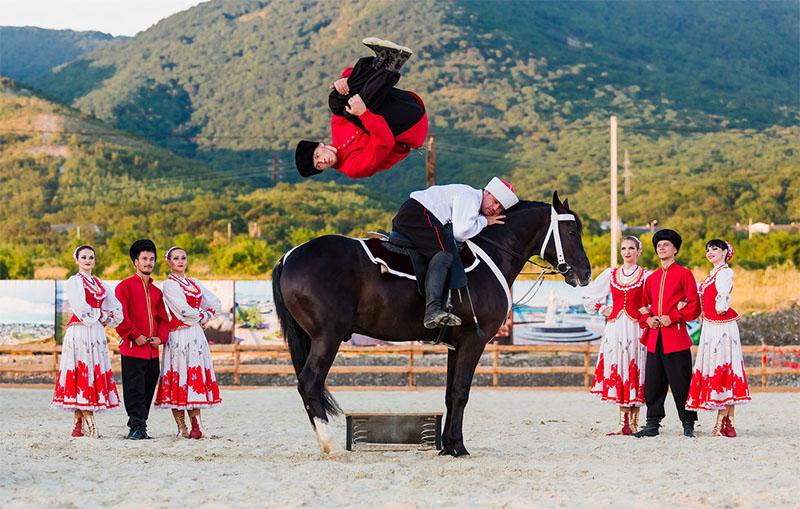 Галерея «Белая лошадь», Геленджик