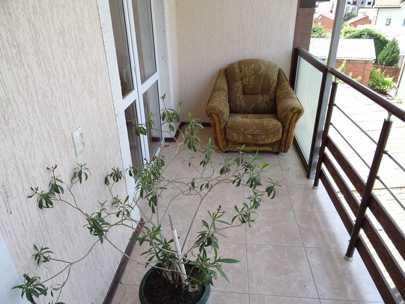 Просторный балкон на 3 этаже