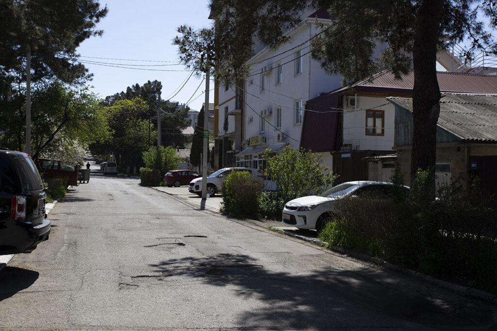 Улица перед домом